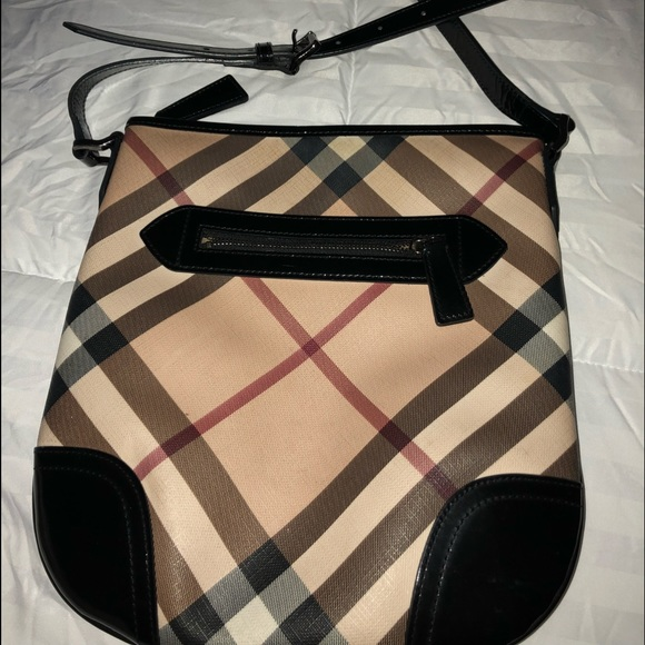 e8a765ab15e Burberry Handbags - Dryden nova check crossbody bag by Burberry.